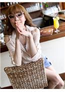[东京著衣]輕柔挖肩襯衫+條紋背心(杏色)