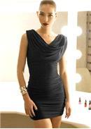 迷人设计◆羅馬垂坠领通身抓皱包臀连身裙(黑色)