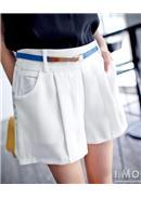 俐落打摺松紧腰围口袋宽摆短裤(白色)
