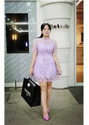 大尺码~复古款欧根纱蕾丝钉钻连身裙(紫色)